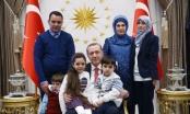 Tổng thống Erdogan gặp mặt bé gái 7 tuổi viết Twitter về thảm cảnh ở Syria