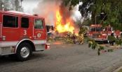 Máy bay rơi trúng nhà dân ở Mỹ, 6 người thương vong