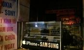 Hà Nội: Cháy cửa hàng điện thoại ở Cầu Giấy, cả gia đình hoảng loạn