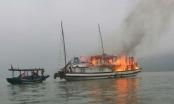 Lại xảy ra cháy tàu du lịch trên Vịnh Hạ Long