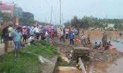 Quảng Ninh: Ba học sinh bị nước lũ cuốn xuống cống, một em mất tích