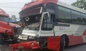 Quảng Ninh: Xe khách đấu đầu container hàng chục hành khách phát hoảng