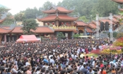 Biển người chiêm bái, cầu an tại ngôi chùa đẹp nhất Quảng Ninh