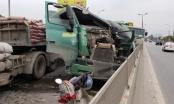 Tài xế nhập viện sau tai nạn liên hoàn giữa xe tải và xe đầu kéo