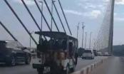 Quảng Ninh: Xử phạt tài xế điều khiển xe điện đưa khách du lịch qua cầu Bãi Cháy