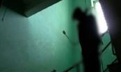 Bàng hoàng phát hiện thi thể người đàn ông treo cổ bí ẩn trong ngôi nhà hoang