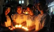 Học viện Phụ nữ Việt Nam thắp nến phản đối bạo lực gia đình