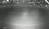[Clip]: Kinh hoàng xe taxi đâm trực diện vào xe máy
