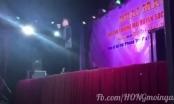 [Clip]: Ca sĩ Du Thiên bị ném gạch khi đang biểu diễn