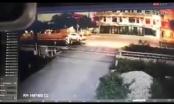 Lộ clip được cho là khoảnh khắc tàu hỏa tông ôtô chở Phó bí thư Huyện ủy ở Thanh Hoá