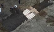 VIDEO: Cảnh chôn tập thể những xác chết do nhiễm Covid-19 trên đảo Hart tại Mỹ