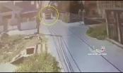 [Clip]: Không quan sát khi đi qua ngã tư, nam thanh niên bị xe tải tông trúng, kéo lê trên đường