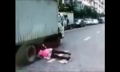 Video: Pha đạp phanh cháy lốp cứu sống người phụ nữ bất cẩn thoát khỏi tử thần