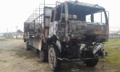 Hà Tĩnh: Xe tải cháy rụi khi đang lưu thông trên đường