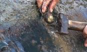 'Vá' đập cao su đang trữ...10 triệu mét khối nước bằng nêm gỗ quấn màn tuyn