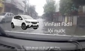 Chủ xe Vinfast Fadil cho xe lội nước trong bão số 3 ở Phủ Lý