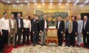 CLB Báo chí Bắc Giang tại Hà Nội tặng tỉnh Bắc Giang 5.000 tuýp gel rửa tay phòng chống dịch Covid-19
