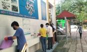 Sáng nay, học sinh cấp 2 và cấp 3 tại Hà Nội đi học trở lại