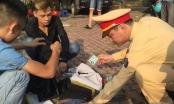 """Hà Nội: Bị bắt giữ khi mang Heroin đi """"dạo phố"""""""