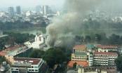 Lửa bốc cháy dữ dội tại Cung thiếu nhi Hà Nội