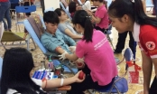 Sinh viên Đại học Hà Nội hăng hái  tham gia hiến máu cứu người