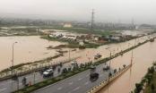 Hà Nội: Đường biến thành sông, nhiều nhà bị ngập nước sau cơn mưa lớn