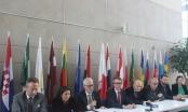 Vắc xin AstraZeneca có nhiều tác dụng phụ: Đại sứ EU khẳng định vẫn an toàn