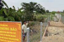 Tuyên Quang: Bùn đất trắng đục chảy xối xả trong khu vực khai thác vàng trái phép