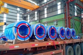 Tôn Pomina xuất khẩu lô hàng đầu tiên chỉ sau 2 tháng đi vào sản xuất