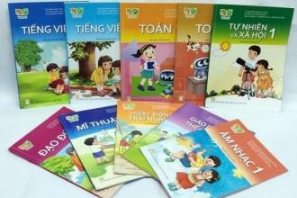 Loạn sách giáo khoa, sách tham khảo: Cả phụ huynh và giáo viên hoang mang
