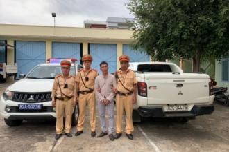 Lực lượng CSGT Kon Tum bắt giữ đối tượng có lệnh truy nã