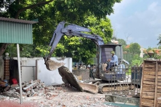 Vĩnh Phúc: Tháo dỡ công trình vi phạm an toàn hành lang giao thông Quốc lộ 2A