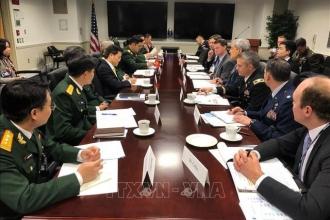 Món quà đặc biệt Thượng tướng Nguyễn Chí Vịnh tặng Thượng Nghị sĩ Mỹ