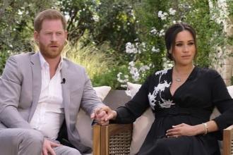 """Vợ chồng Hoàng tử Harry tiết lộ """"thâm cung bí sử"""" trong hoàng gia Anh"""