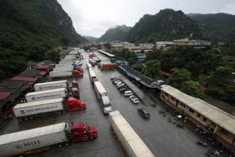 Trung Quốc đột ngột áp dụng mẫu C/O form mới, hàng nhập ùn ứ tại cửa khẩu