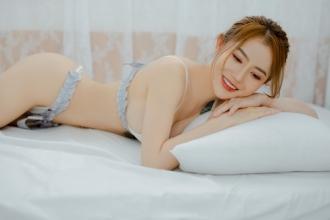 Hotgirl Sài Gòn khiến dân mạng thích mê với phong cách gợi cảm
