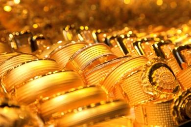 Giá vàng hôm nay 18/7: Giá vàng lao dốc, giảm gần 300.000 đồng/lượng, người dân bán tháo