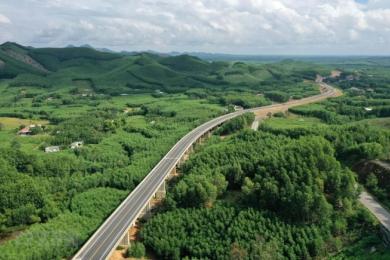 Gỡ vướng về nguồn vật liệu thi công Dự án cao tốc Bắc - Nam phía Đông