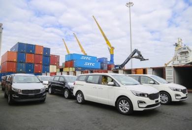 THACO hoàn thành mục tiêu xuất khẩu hơn 1.400 ô tô, linh kiện