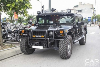 Cận cảnh Hummer H1 Alpha độc nhất Việt Nam trên phố Hà Nội