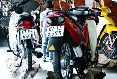 Đại gia miền Tây có 500 xe mô tô biển số siêu đẹp, thuê người chăm mỗi ngày