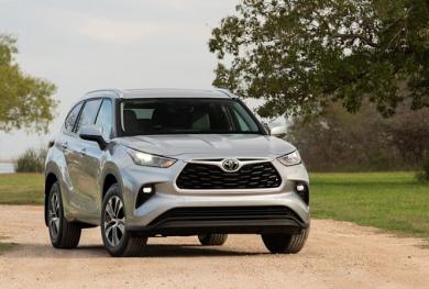 Toyota triệu hồi khẩn cấp 43.000 xe Highlander vì lỗi chết máy đột ngột