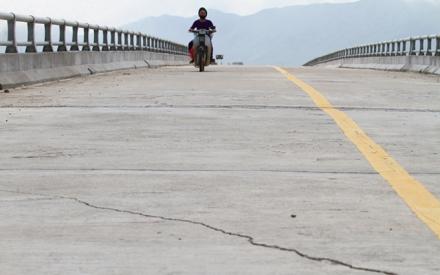 Công trình gần 80 tỷ đồng ở Hà Tĩnh mới sử dụng 4 tháng chưa kịp mừng đã lo