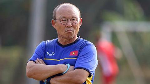 HLV Park lo lắng khi đặt bút ký bản hợp đồng mới