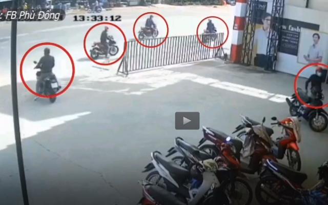 """Video: Hoa mắt với pha dàn cảnh """"siêu tinh vi"""" của nhóm trộm cắp xe máy"""