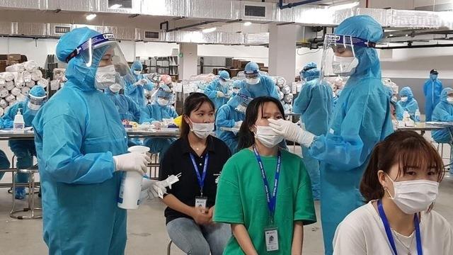 Tin nhanh ngày 16/7: Việt Nam thêm 1438 ca mắc Covid-19 mới, riêng TP HCM 1071 ca