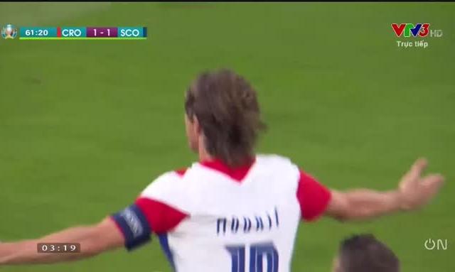 """[Video]: Tuyệt phẩm """"Trivela"""" của Luka Modric vào lưới Scotland"""