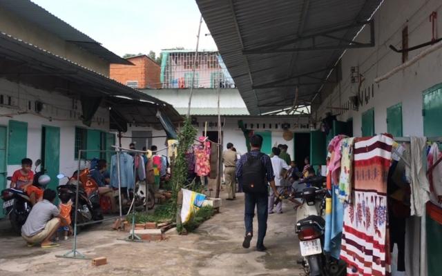 Bình Dương: Phát hiện 2 vợ chồng nằm bất động trong phòng trọ