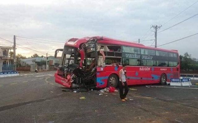 Gia Lai: Nhiều người bị thương sau vụ va chạm giữa 2 xe khách