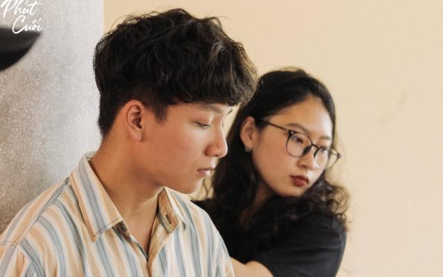 Xúc động clip dành tặng sinh viên khóa cuối của sinh viên trường Báo